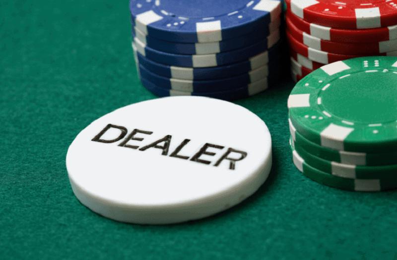 Dealer là gì? Và cách để làm 1 Dealer chia bài chuyên nghiệp
