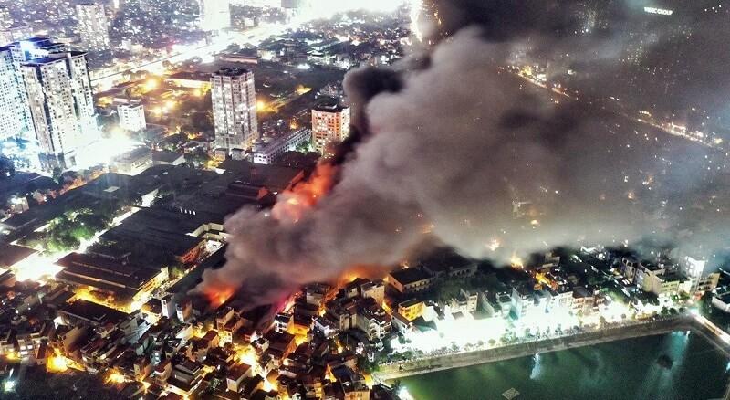 Mơ thấy nhiều nhà cùng cháy