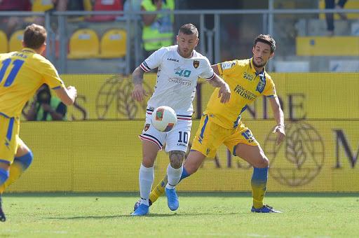 Soi kèo Frosinone vs Salernitana, 03h00 ngày 19/12, Hạng 2 Italia